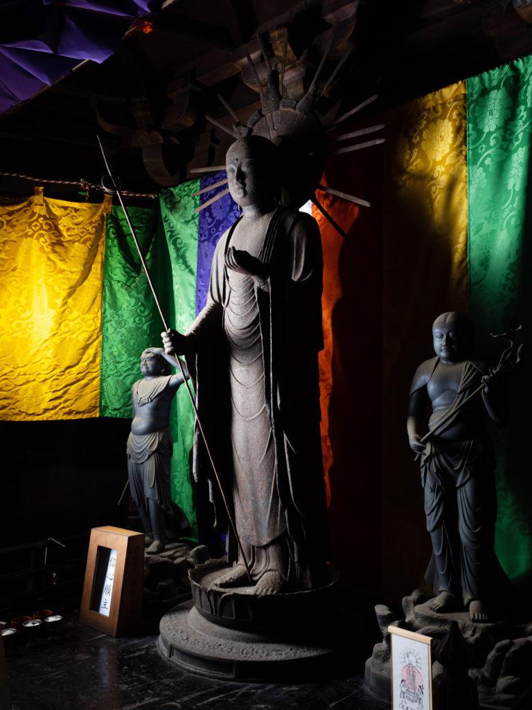 鉄造地蔵菩薩立像(別名、汗かき地蔵)